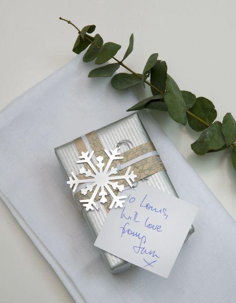 Snowflake Gift Tags x 12