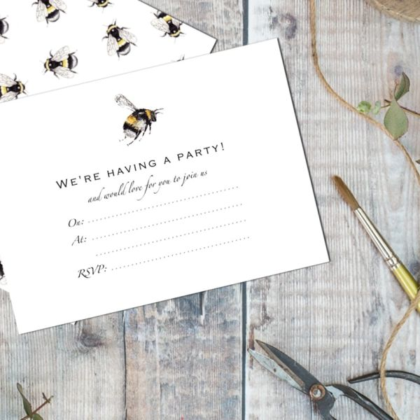 Bumblebee Set of 6 invitations in03