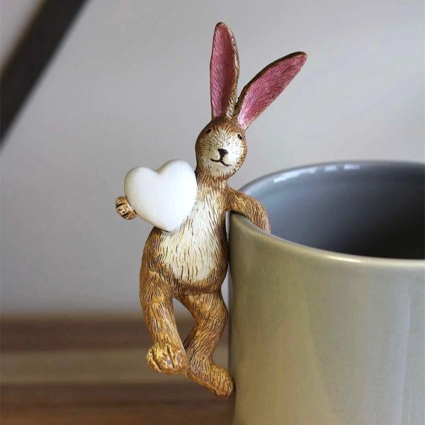 Pot Hanging Hare with white heart