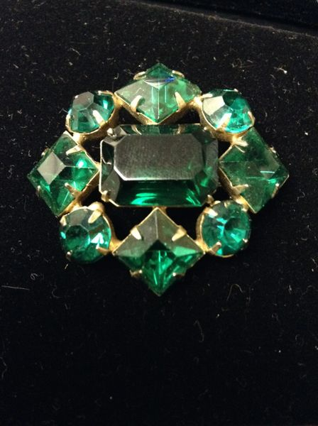 Faux Emerald Green Rhinestone Brooch