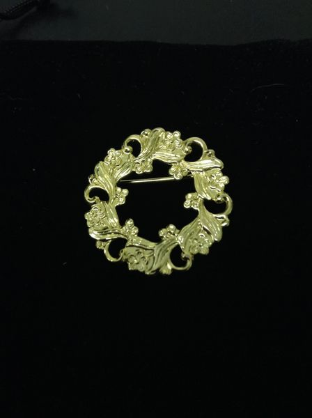 Small GP Wealth Brooch