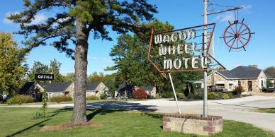 Historic Wagon Wheel is a Route 66 motel on Historic Route 66 in Cuba, Missouri. Preservation works. A locally owned motel.