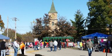 Town square at a route 66 festival - Cuba Fest in Cuba Missouri.