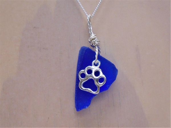 Blue Sea glass with Paw