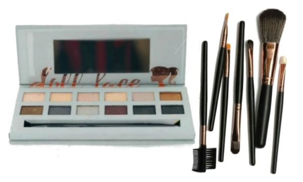 """Doll Face """"SMOKE"""" gets in your eyes Eyeshadow Palette W/Doll Face 7Pcs Brush Set"""