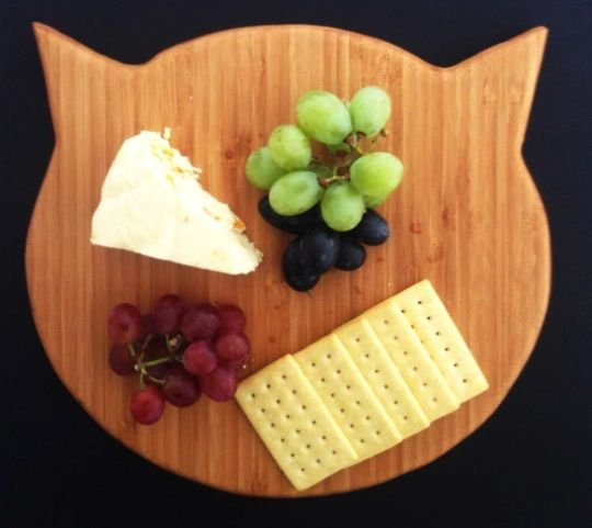Cat Serving and cutting board