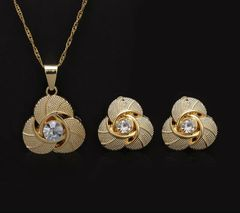 EARING AND PENDANT SET- 322