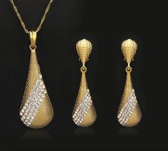 EARING AND PENDANT SET- 323