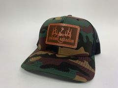 NEW SADDLE LEATHER SERIES LOGO SNAPBACK OLD SCHOOL CAMO GREEN/ BLACK **LIMITED STOCK**