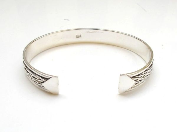 vintage style sterling silver artisan cuff
