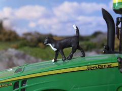 WMA01 Walking Cat 1:32 Scale by HLT Miniatures