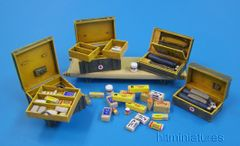 PLM434 German Medical Set WWII Unpainted Kit in 1:32/1:35 scale by Plusmodel