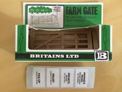 "Britains Farm Gate and Sign Post Models ""Beware of the Bull"" No.1731"