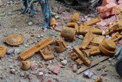 Rusty Scrap Metal 1:35/1:32 Scale by Juweela 23313