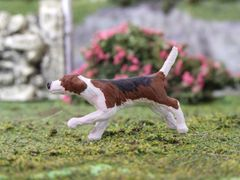 Foxhound Dog Running Cosmo by HLT Miniatures WMA011