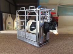 Cattle Crush with Metal Floor 1:32 Scale by BLR Models