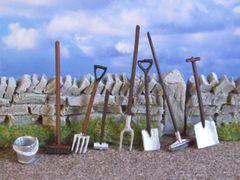 8x Farm Hand Tools 1:32 scale by HLT Miniatures WM014