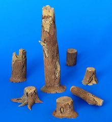 PLM194 Tree Stumps Kit in 1:32/1:35 scale by Plusmodel