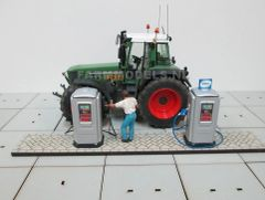 1 x Diesel/Fuel/Petrol Pump Kit 1:32 Scale by Artisan 32 21823 (04526)