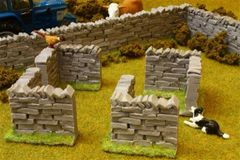 4 x Stone Walling Corners by Brushwood 1:32 scale BT3007