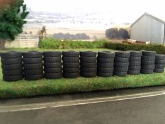50 x Tyres and Tarpaulin For Silage Clamp/Tyre Wall 1:32 scale 571884