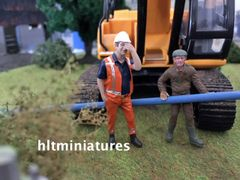 Worker Scratching Head Farm/Construction Figure 1:32 Scale AT-Collections (Cat. No. 32143)