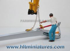 2 Tonne Hook and Chain Lifting Gear Set 1:32 Scale by Artisan 32 50033