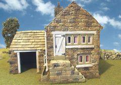 C02 Farm House 1:32 scale by JG Miniatures
