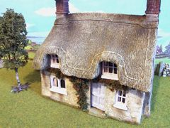 C17 Thatched Cottage House by JG Miniatures