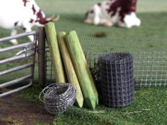 FB061 Green Fence Post Set 1:32 scale by HLT Miniatures