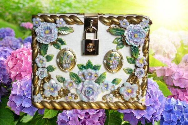 2612 Baroque Pale Lavender Hand Painted Flower Embellished Trunk Handbag