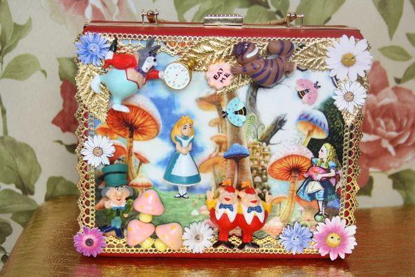 SOLD! 3980 Alice In Wonderland 3D Effect Embellished Handbag Purse