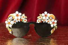 4534 Baroque Orange Fruit Flowers Bee Hand Painted Green Embellished Sunglasses