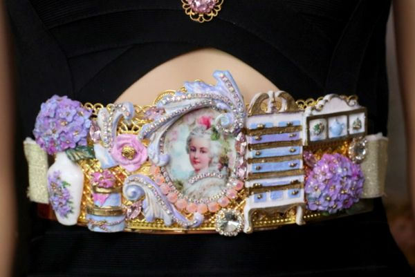 4544 Marie Antoinette Unusual Dressing Room 3D Effect Embellished Waist Belt