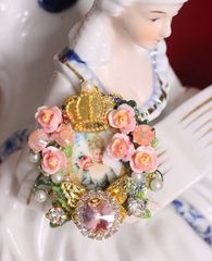 4766 Young Marie Antoinette Hand Painted Roses Crown Cocktail Adjustable Ring