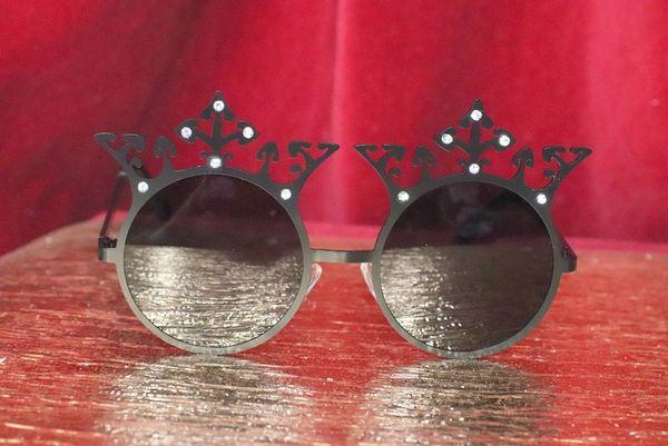 4821 Baroque Elegant Crown Black Sunglasses