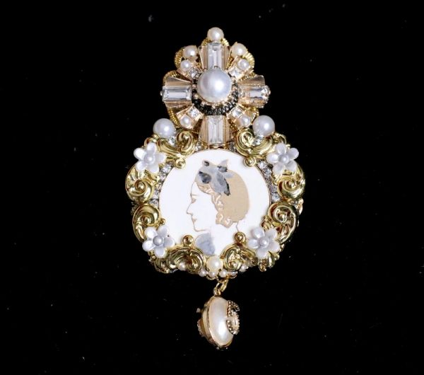5313 Byzantine Madam Coco Portrait Crystal Top Massive Brooch