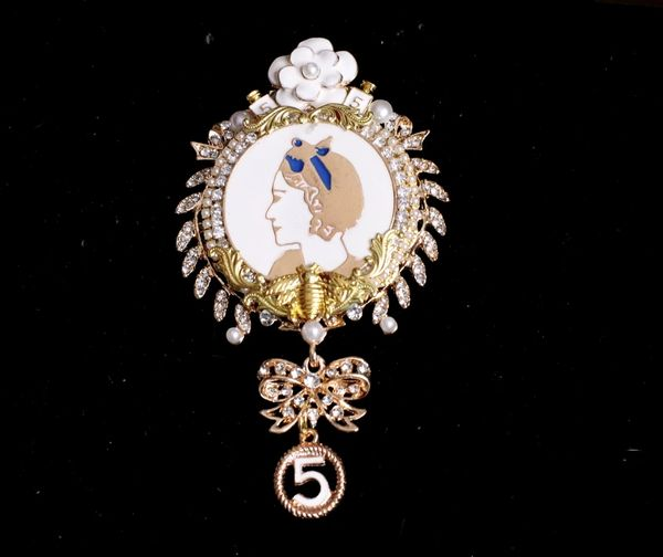 5314 Byzantine Madam Coco Portrait Camellia Top Brooch