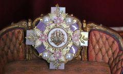 5376 Baroque Lilac Quartz Flowers Iridescent Huge Brooch