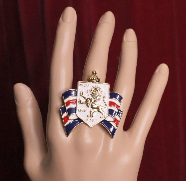 SOLD! 5549 Heraldic Enamel Lion Family Shield Cocktail Adjustable Ring
