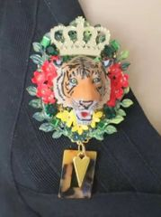6070 Baroque 3D Effect Hand Painted Vivid Tiger Flowers Unique Brooch