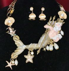 SOLD! 6303 Set Of Gold Neptun Poseidon Shell Pearl Necklace+ Earrings