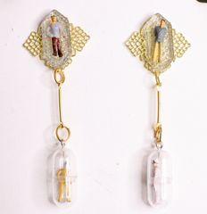 6329 New Yorkers People In A Bottle Irregular Earrings