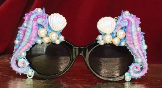 6353 Baroque Faced Seahorses Shell Hand Painted Embellished Sunglasses