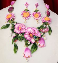 SOLD! 6493 Set Of 3D Effect Hand Painted Village Flowers Bee Massive Genuine Agates Statement Necklace+ Earrings