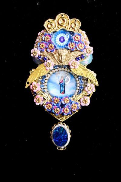 6690 Virgin Mary Pastel Cameo Massive Brooch