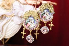 6740 Madonna And A Child Studs Earrings