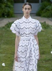 6785 Runway 2020 Folk Embroidery Scallop Edge White Mini Dress