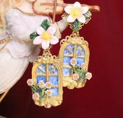 6788 Baroque 3D Effect Window Flower Studs Earrings
