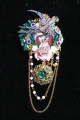 6949 Victorian Cat Bird Vintage Style Unusual Brooch